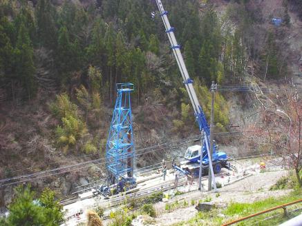 大口径ボーリング孔杭工事の作業状況