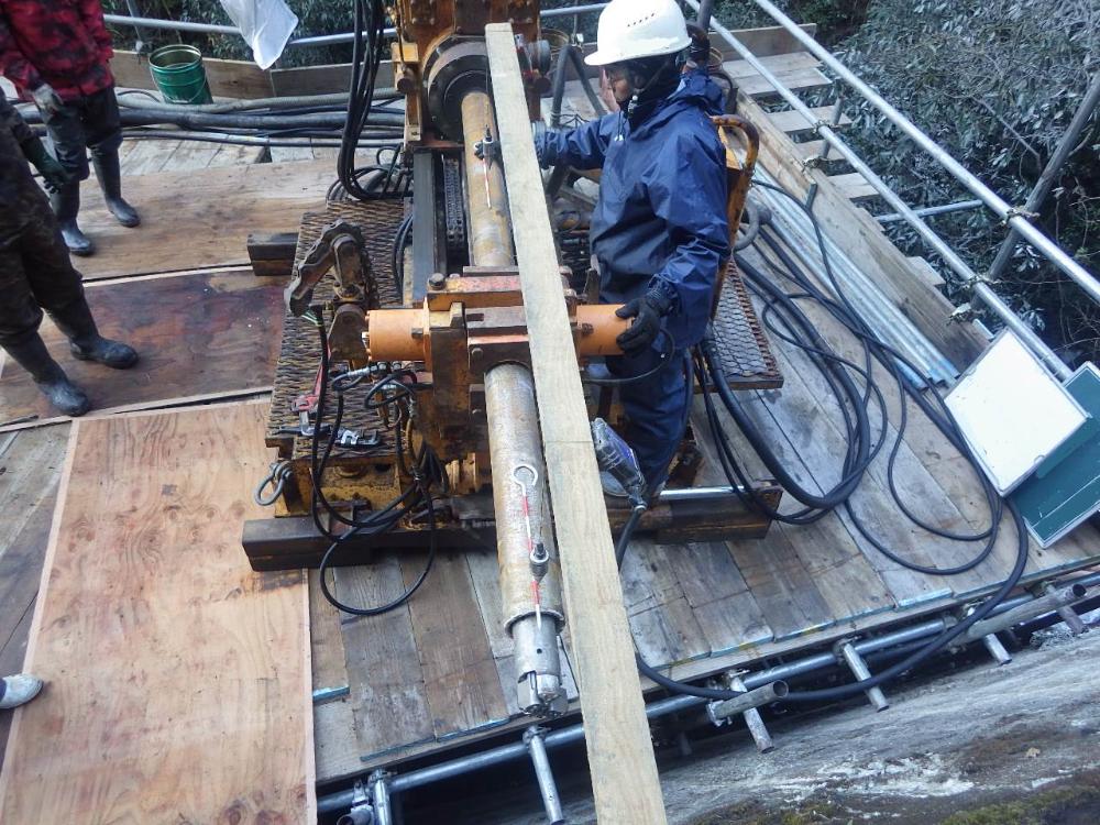 アンカー工工事の施工状況